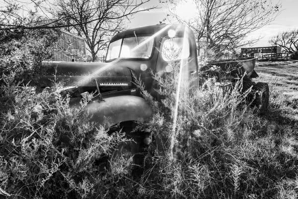 Black and White Sunrise Sunlight Streams Old International Truck fleblanc