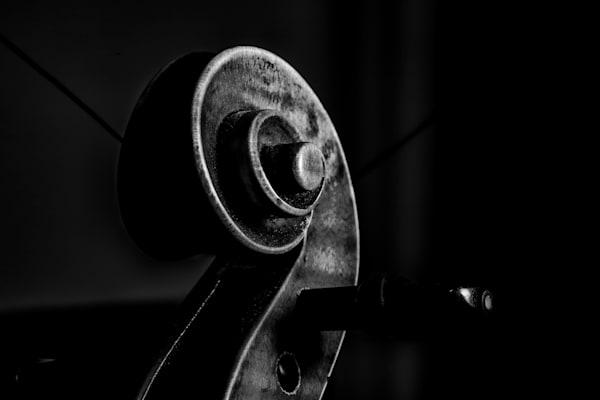 Dark Scroll Antique Violin Image 1732.37