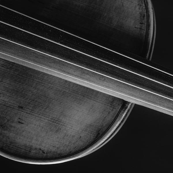 Square Antique Violin Image 1732.32
