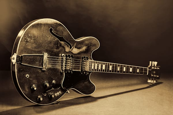 Gibson Guitar Images On Stage 1744.015