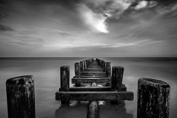 black and white photography, art photographs of monotone piers and oceans, landscapes of piers,