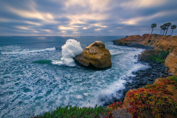 rock shores of Southern California, cliffs and rocky shored beaches, art photographs of beaches in CA,