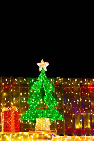 Christmas_tree_light_decoration_1810023lsnd8rf_hmo7pe