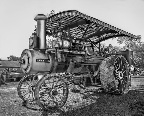 Russell Steam Restored Farm Ranch Tractor Black & White fleblanc