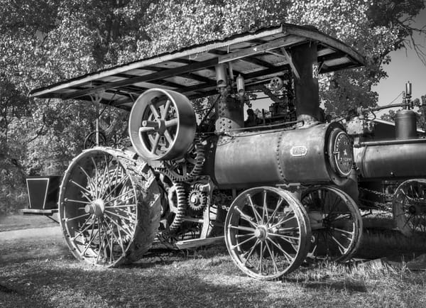 Keck Gonnerman Steam Old Farm Tractor Black & White fleblanc