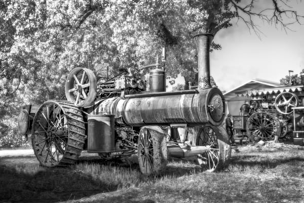 Reeves Steam Restored Farm Vintage Tractor Black & White fleblanc