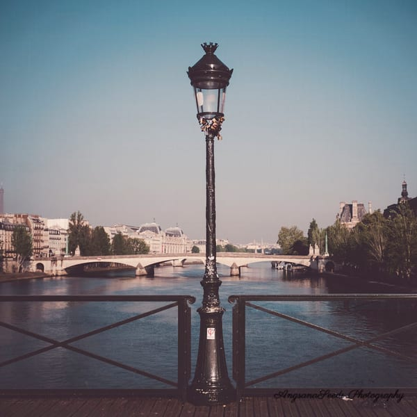 Lamp post on the Seine
