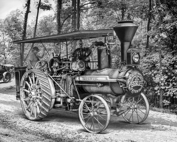 Geiser Peerless Reeves Steam Traction Engine Runs and Drives Black and White fleblanc