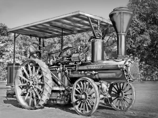 Wood Wheeled Restored Geiser Peerless Steam Traction Engine Black and White fleblanc