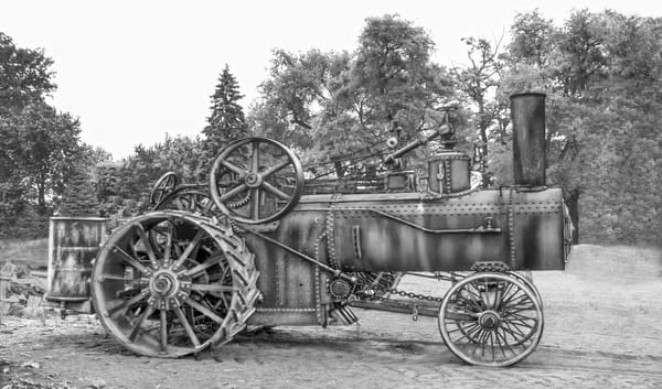 Rumely Steam Powered Traction Engine Working Clothes Unrestored Black and White fleblanc