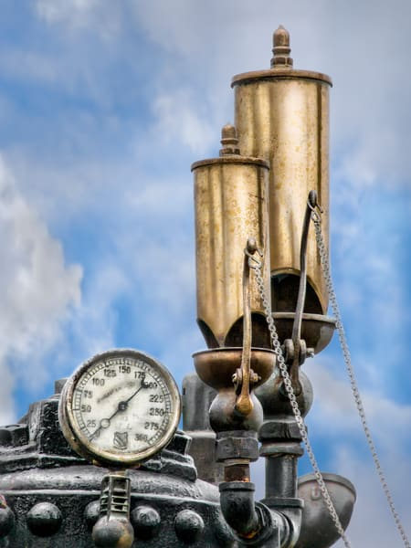 Double Whistle Pressure Gauge On A Steam Powered Traction Engine fleblanc