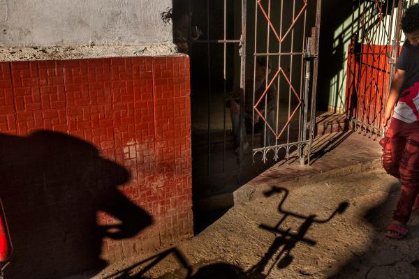 Cuba Shadow
