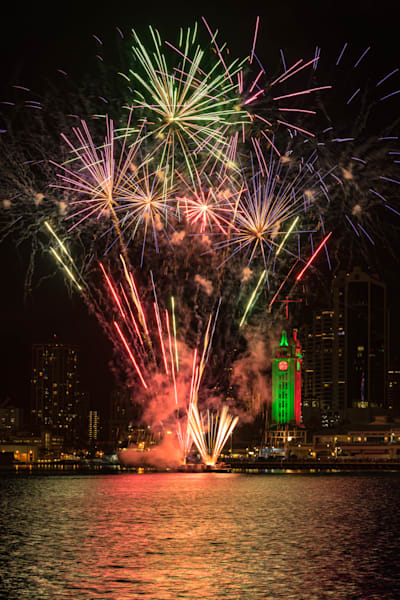 Hawaii Photography | Aloha Tower Firework by Peter Tang