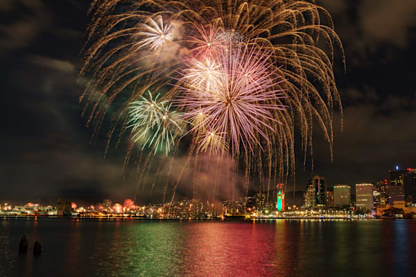 Hawaii Photography | Honolulu Harbor New Year Firework by Peter Tang