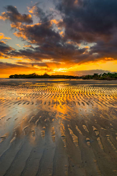 Hawaii Photography | Sunrays at Low Tide by Peter Tang