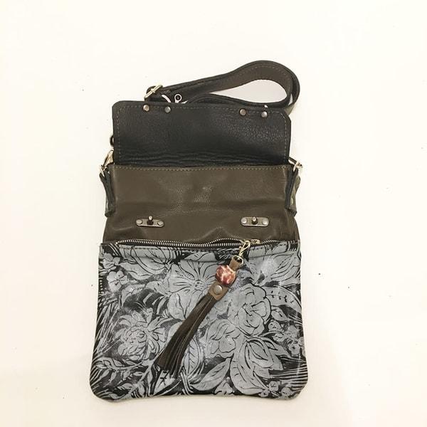 excursion medium cross body bag in peony print
