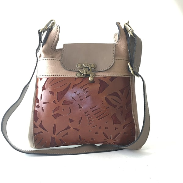 madrid cross body in Beige