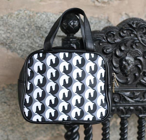 Yin Yang Hand Bag (B&W)