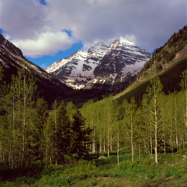 COL-T016 • Maroon Bells Colorado in Springtime