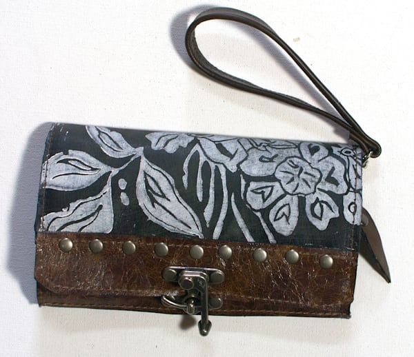 berlin wristlet espresso wildflower