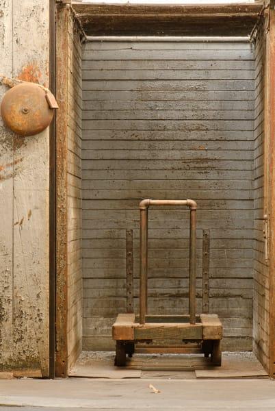 Antique Industrial Machines, Elevator