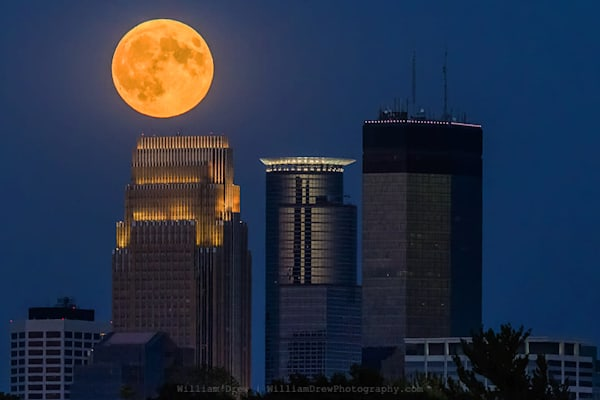 Full Moon Skyline - Minneapolis Wall Murals | William Drew