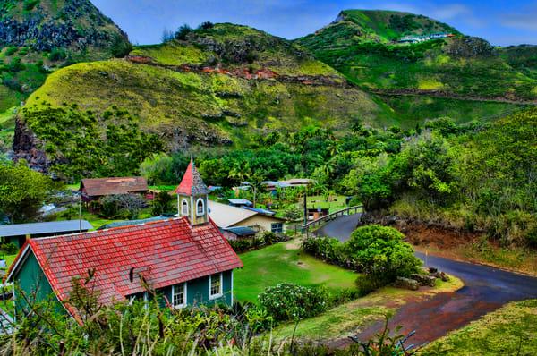 Road-to-Hana Rugged Tropical Mountain Landscape