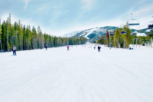 Skiiers on the Slopes in Colorado, Color landscape