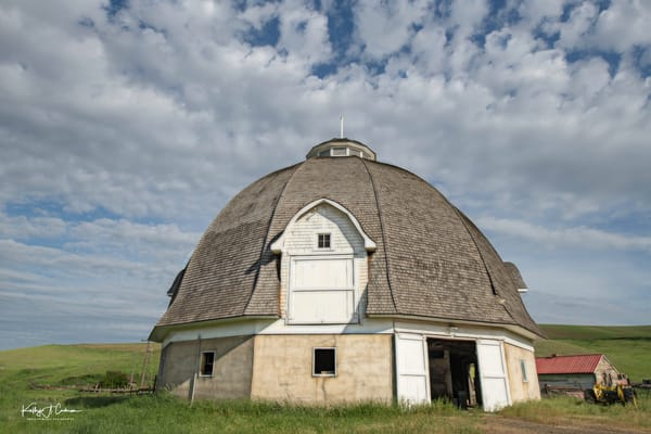Steinke Round Barn  Photography Art | Images2Impact