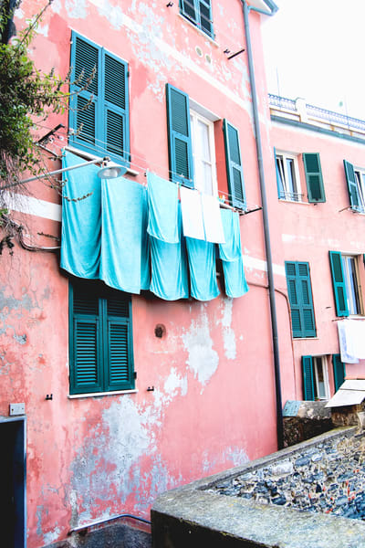 Art Photography of Coastal Italy, Cliff-Side Home, DSC_5634 Pink House & Laundry Line Cinque Terre, Manarola, Italy