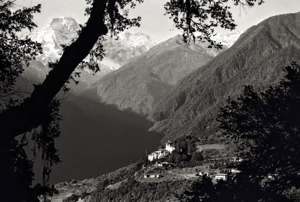 Gasa Dzong from the trail to Laya, 2004