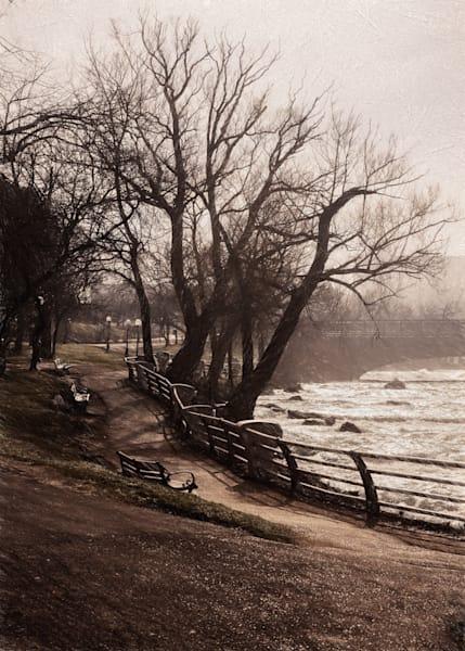 Misty Morning on the Niagara