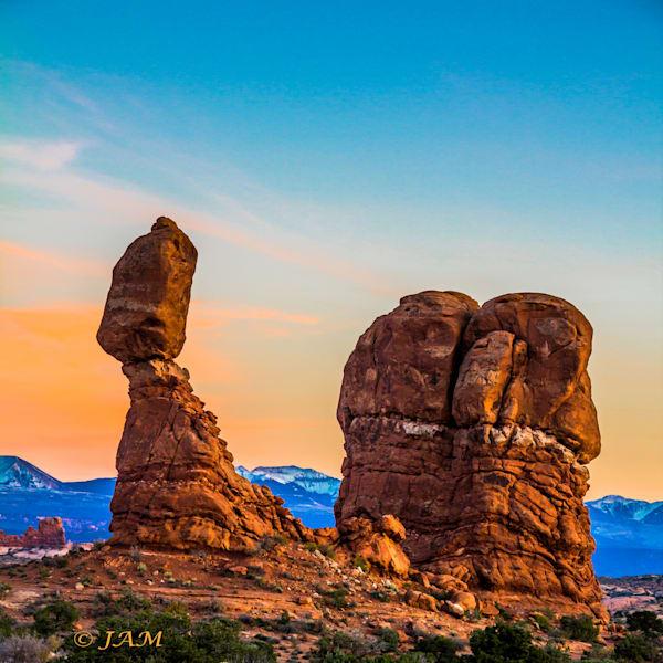 0119 Balanced Rock.2