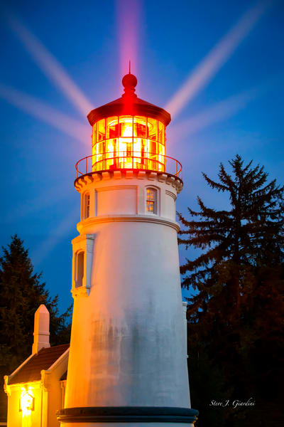 Umpqua River Lighthouse III (1810156BSND8) Photograph for Sale as Fine Art Print