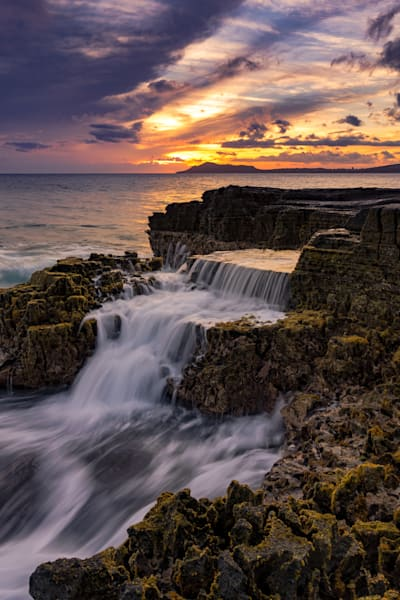 Hawaii Seascape Photography | Flows Behind Leahi by Peter Tang
