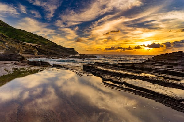 Hawaii Seascape Photography | Reflections of the Past by Peter Tang