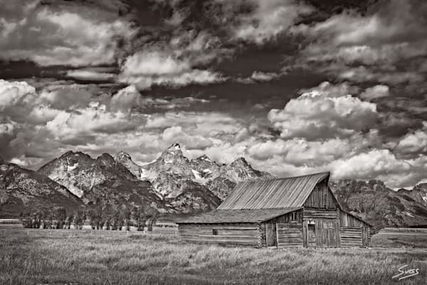 Tetons Barn in Black and White