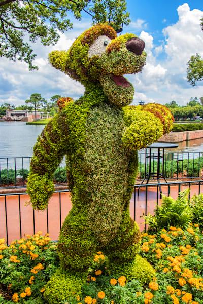 Topiary Tigger - Epcot F&G Gallery | William Drew
