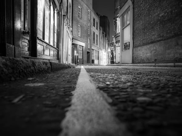 Long Street Down Low | Black and White London Photography