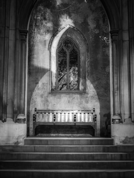 St. Dunstan's Solitiude | Black and White London Photography