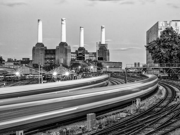 Battersea Rails   Black and White London Photography