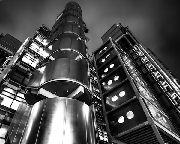 LLoyds Of London | Black and White London Photography
