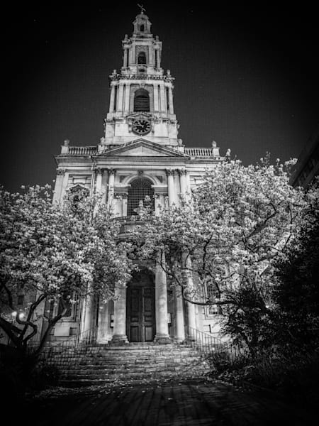 St. Anne's Solitude | Black and White London Photography