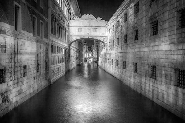 Bridge of Sighs at Night   Black and White Architecture Photography