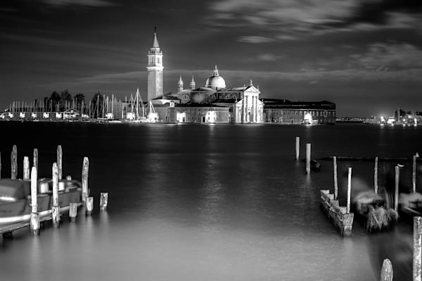 Full Moon San Gio | Black and White Architecture Photography