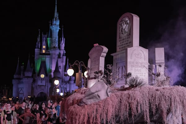 Boo To You Graveyard - MNSSHP Photos | William Drew