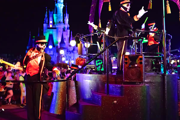 Boo To You Skeleton Band - MNSSHP Photos | William Drew