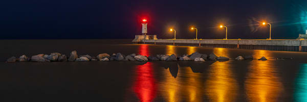 Duluth North Pier Lighthouse - Lighthouse Art | William Drew