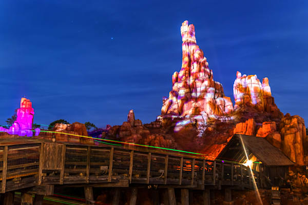 Thunder Mountain Christmas - Disney World Christmas Photos