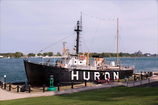 Beautiful fine art photos of Lake Huron lighthouses